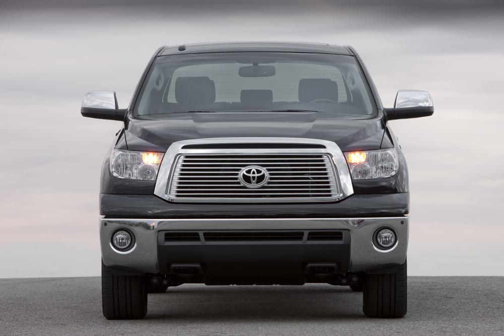 Toyota Tundra 2 поколение [рестайлинг] (2009-2013) Crew Max пикап 4-дв.