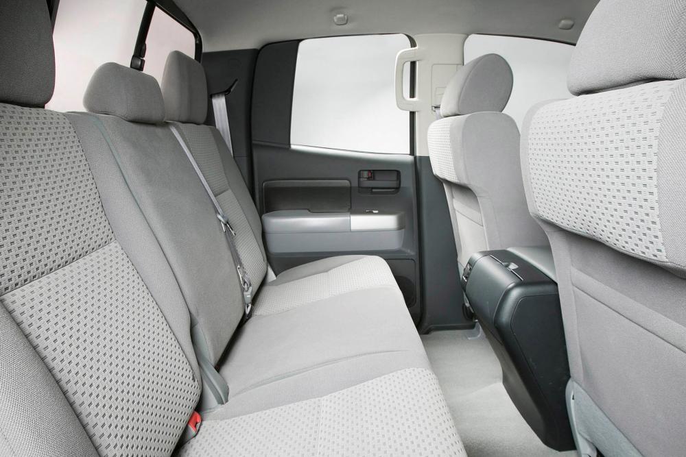 Toyota Tundra 2 поколение [рестайлинг] (2009-2013) Double Cab пикап 4-дв. интерьер
