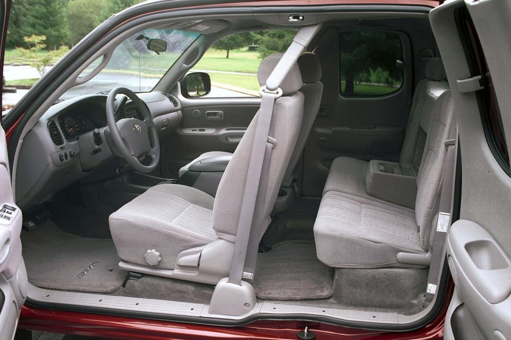Toyota Tundra 1 поколение [рестайлинг] (2003-2006) Access Cab пикап 4-дв. интерьер