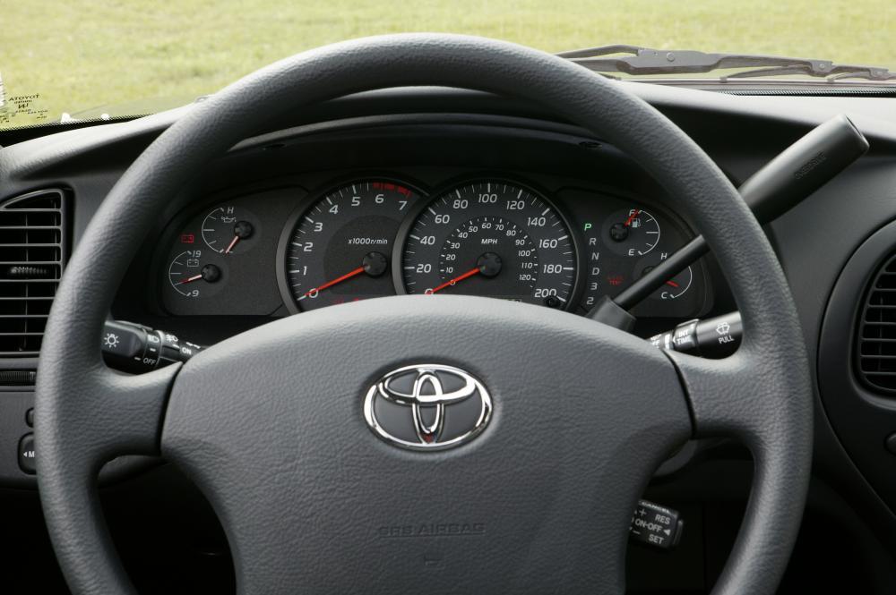Toyota Tundra 1 поколение [рестайлинг] (2003-2006) Double Cab пикап 4-дв. комбинация приборов