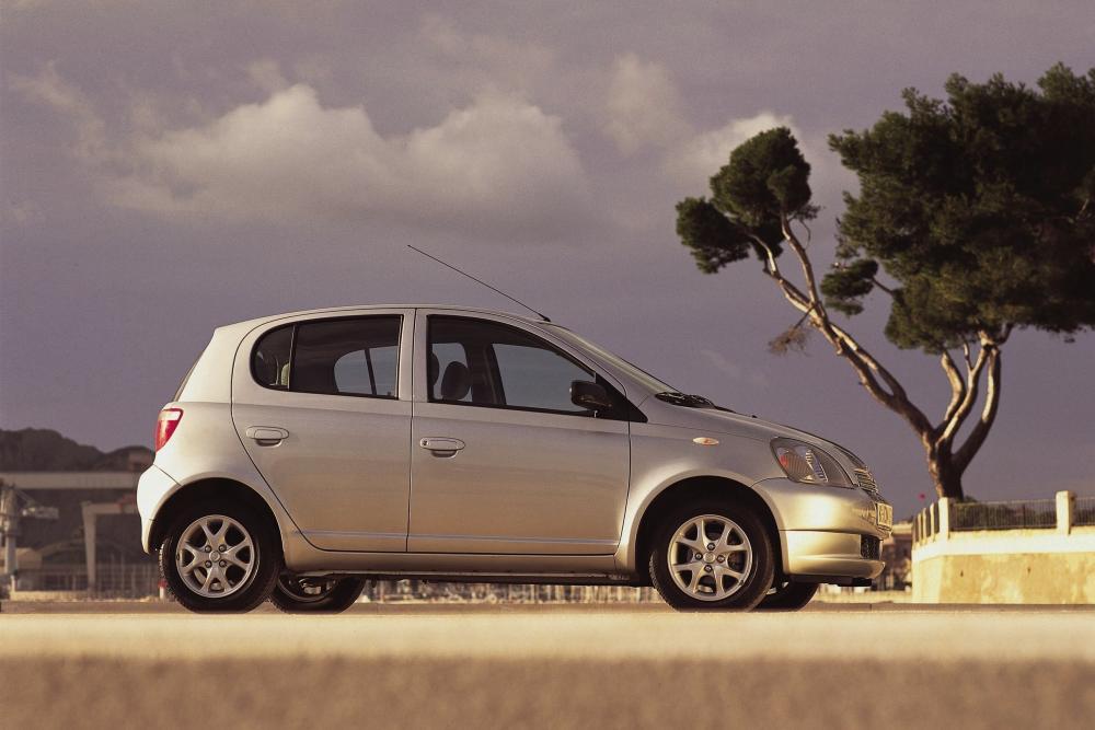 Toyota Yaris 1 поколение P1 (1999-2003) Хетчбэк 5-дв.