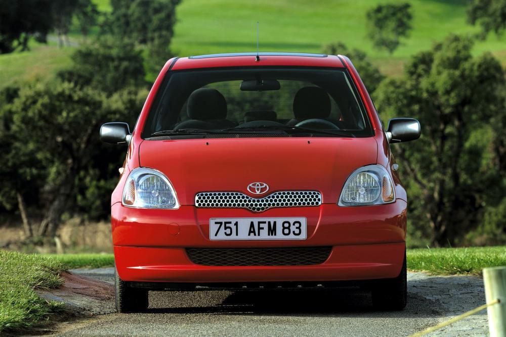 Toyota Yaris 1 поколение P1 (1999-2003) Хетчбэк 3-дв.