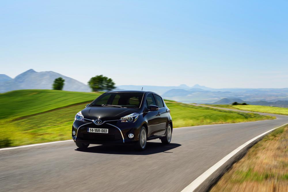Toyota Yaris 3 поколение XP130 [рестайлинг] (2014-2017) хэтчбек 3-дв.