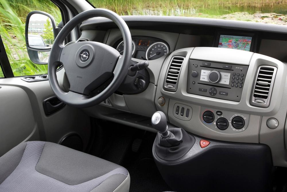 Opel Vivaro 1 поколение [рестайлинг] (2006-2014) Combi минивэн 4-дв. интерьер