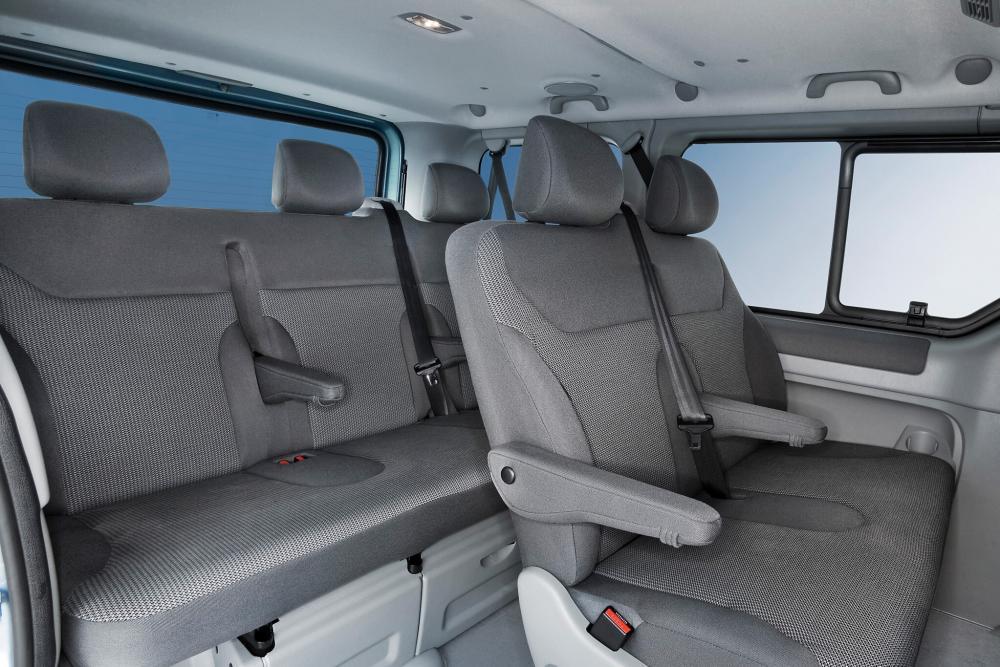 Opel Vivaro 1 поколение [рестайлинг] (2006-2014) Минивэн интерьер