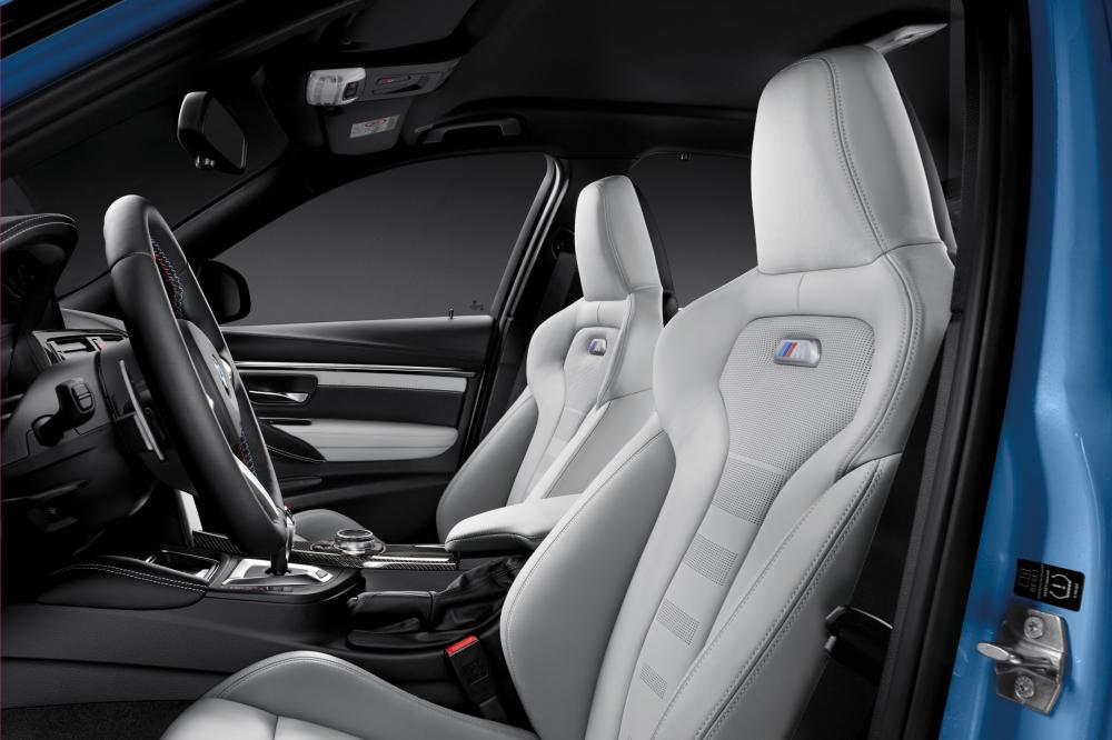 BMW M3 F80 (2013 - 2018) Седан интерьер