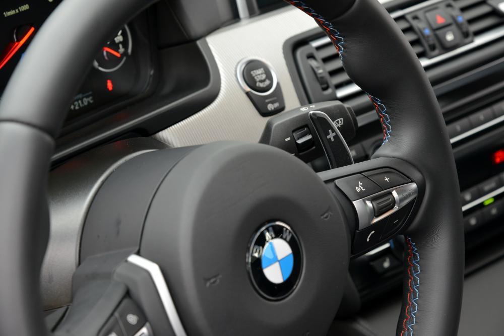 BMW M5 F10 [рестайлинг] (2013-2016) Седан интерьер