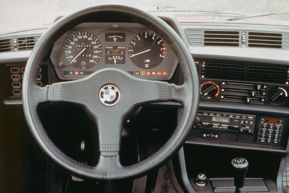 BMW M6 E24 (1983-1989) Купе интерьер