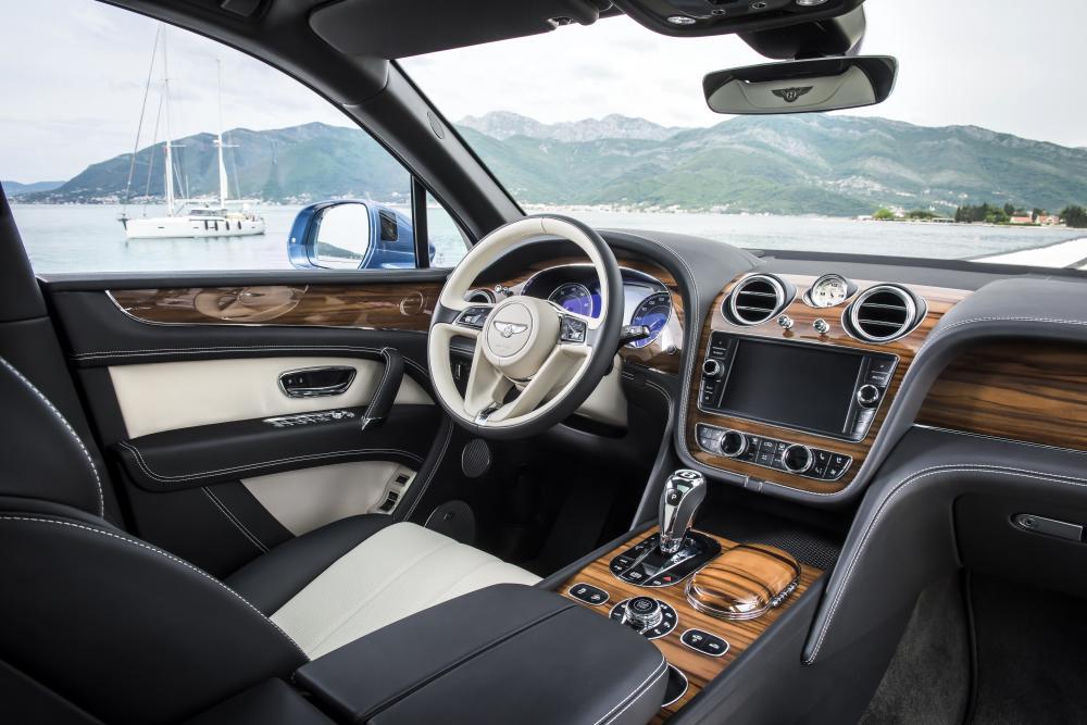 Bentley Bentayga 1 поколение (2015-2020) Кроссовер интерьер