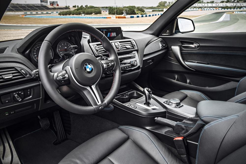 BMW M2 F87 (2015-2017) Купе интерьер