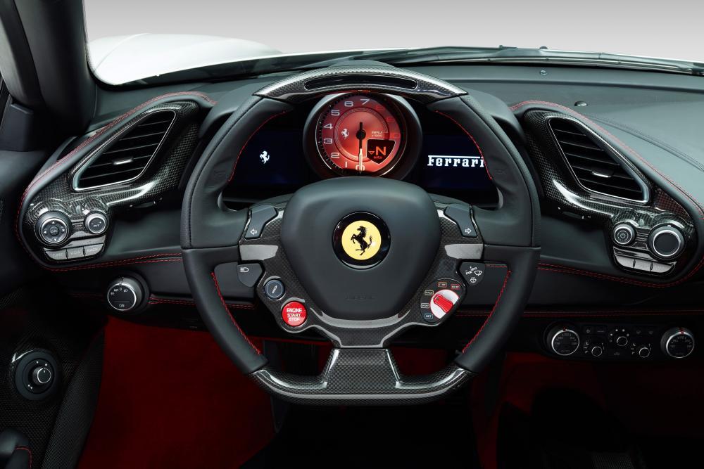 Ferrari 488 1 поколение Spider родстер передняя панель