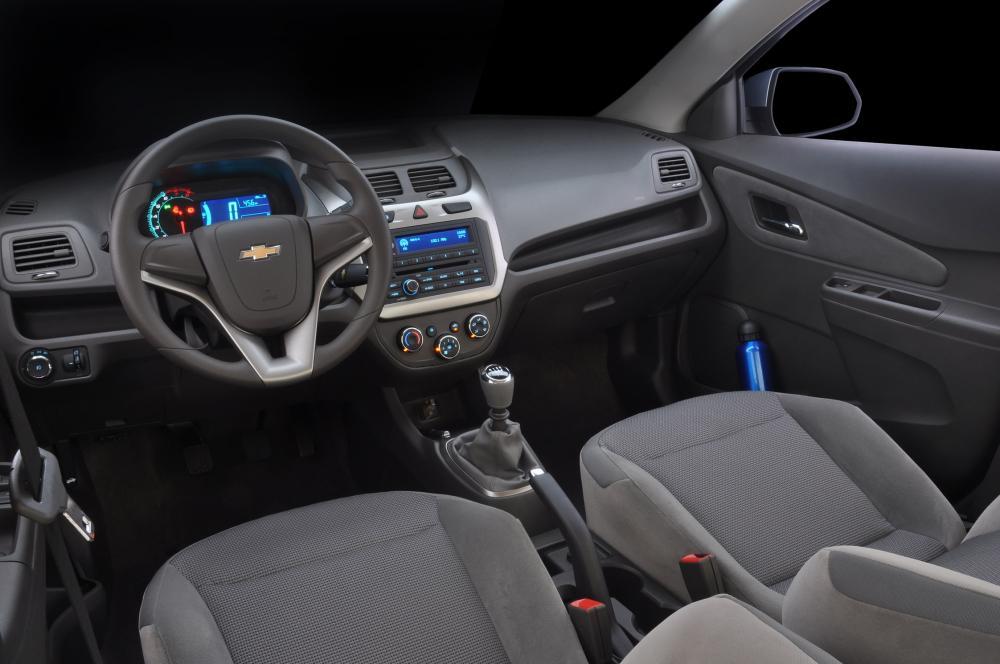 Chevrolet Cobalt 2 поколение (2011-2018) Седан интерьер