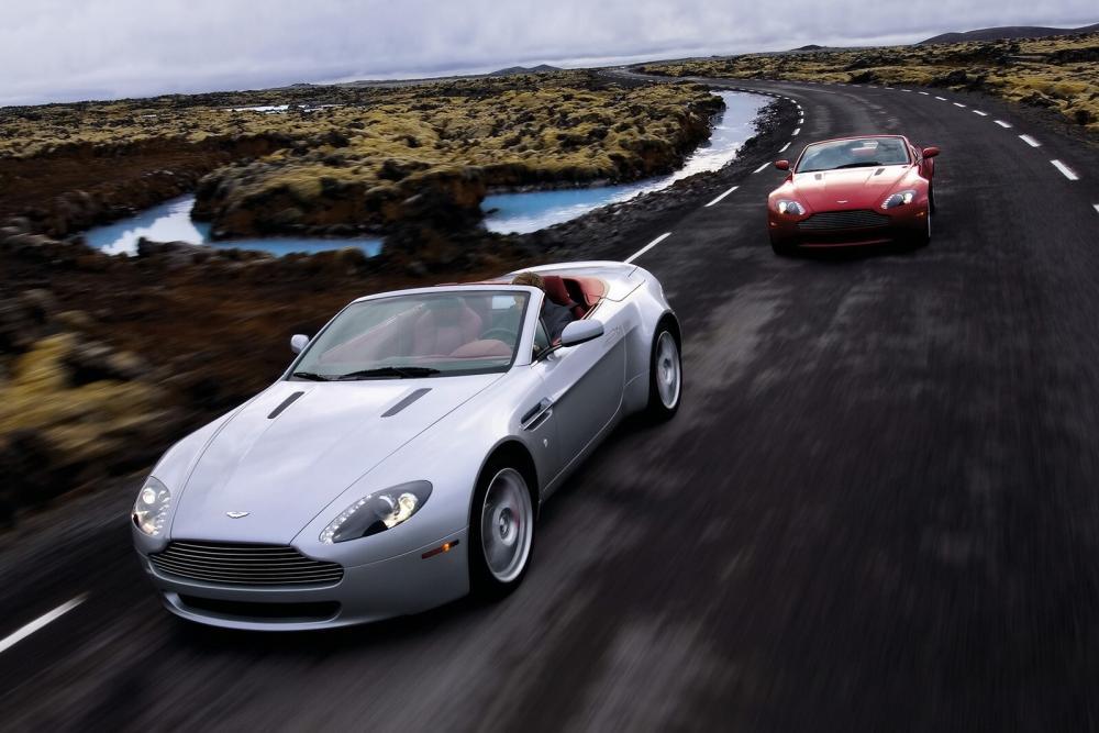 Aston Martin Vantage 3 поколение V8 родстер 2-дв.
