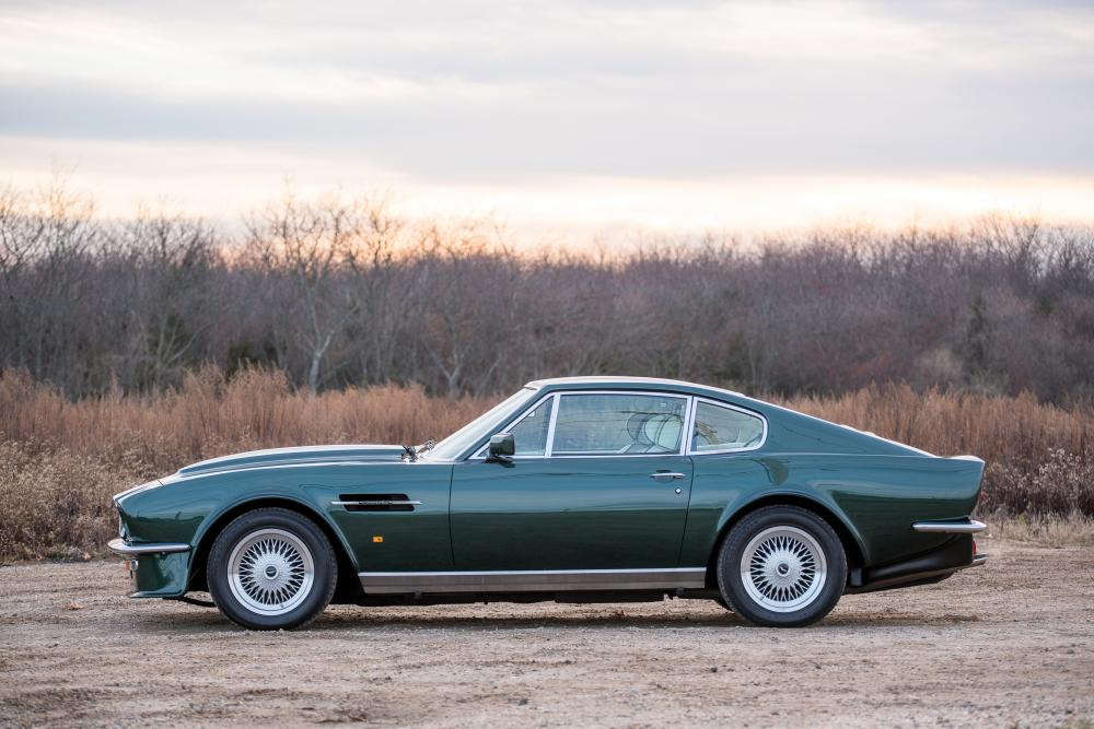 Aston Martin Vantage 1 поколение V8 купе
