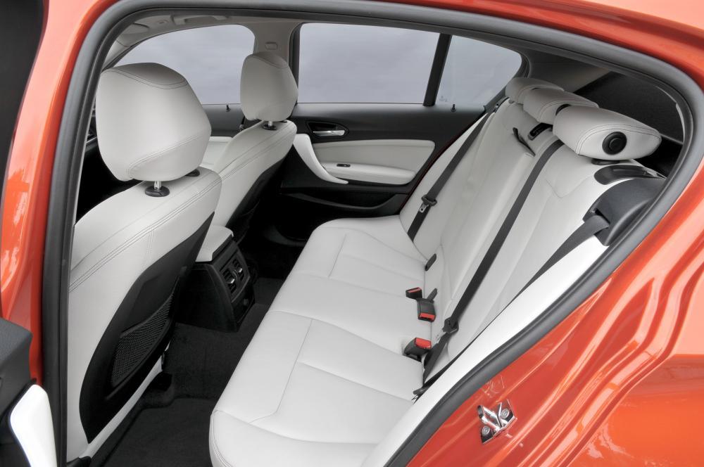 BMW 1 серия  2 поколение F20/F21 Хетчбэк 5-дв. интерьер