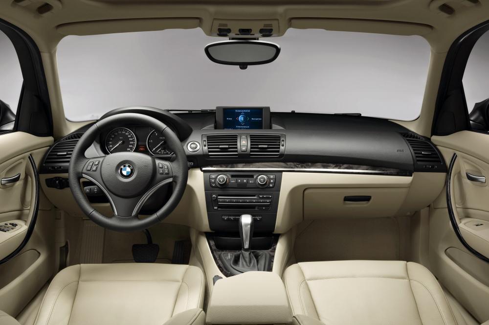 BMW 1 серия E87 [рестайлинг] (2007-2012) Хетчбэк 5-дв. интерьер