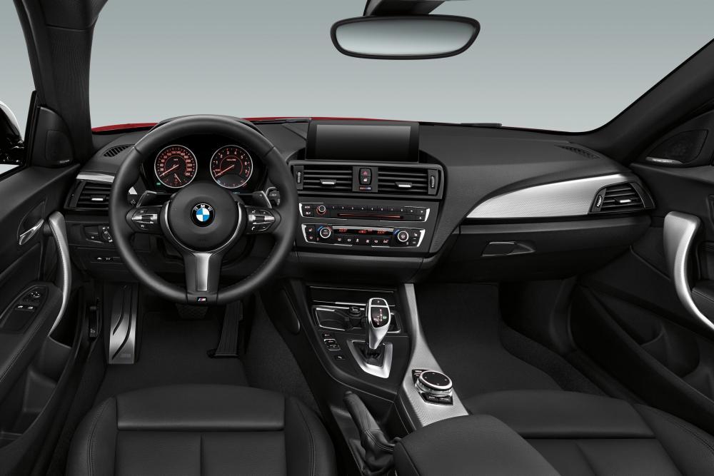 BMW 2 серия 1 поколение F22 (2013-2017) Купе интерьер