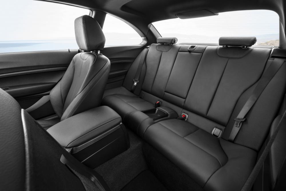 BMW 2 серия 1 поколение F22 [рестайлинг] (2017) Купе интерьер