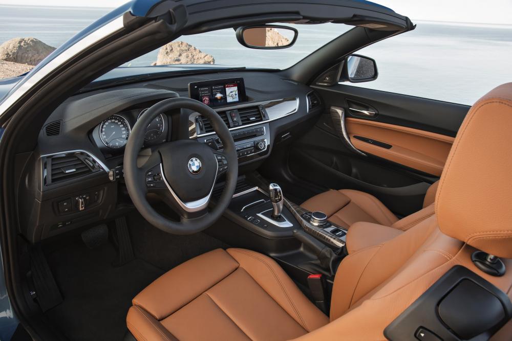 BMW 2 серия 1 поколение F23 [рестайлинг] (2017) Кабриолет интерьер