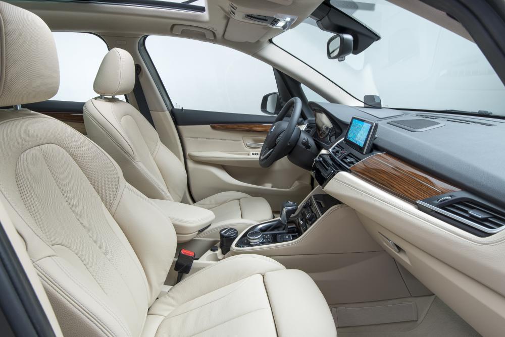 BMW 2 серия Active Tourer 1 поколение F45 (2014-2018) Минивэн интерьер