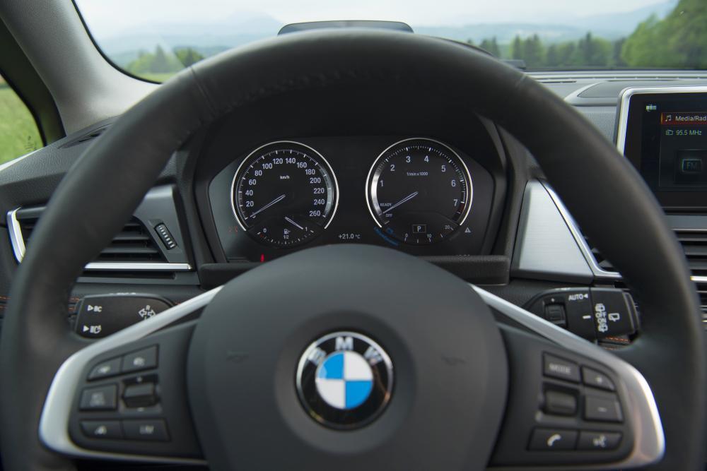 BMW 2 серия Active Tourer 1 поколение F45 [рестайлинг] (2018) Минивэн панель приборов