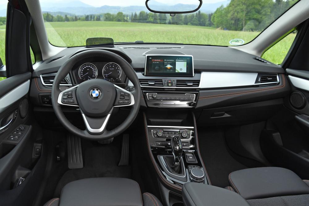 BMW 2 серия Active Tourer 1 поколение F45 [рестайлинг] (2018) Минивэн интерьер