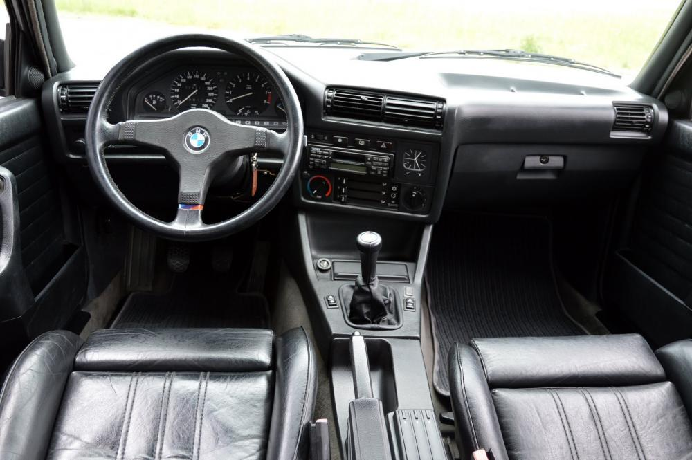 BMW 3 серия E30 [рестайлинг] (1987-1994) Седан интерьер
