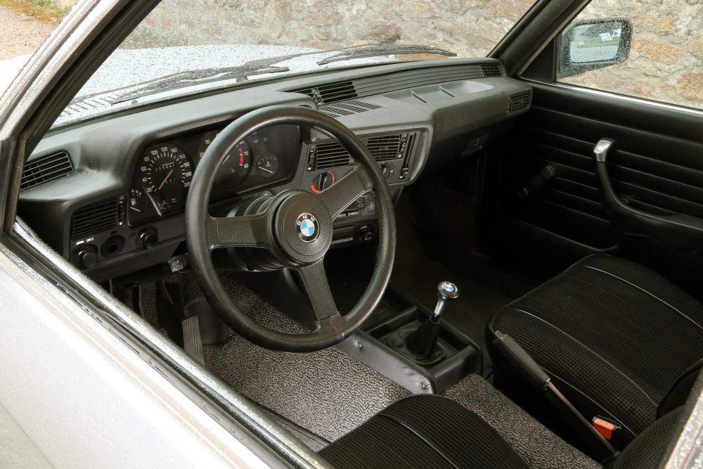 BMW 3 серия 1 поколение Е21 (1975-1983) Седан интерьер