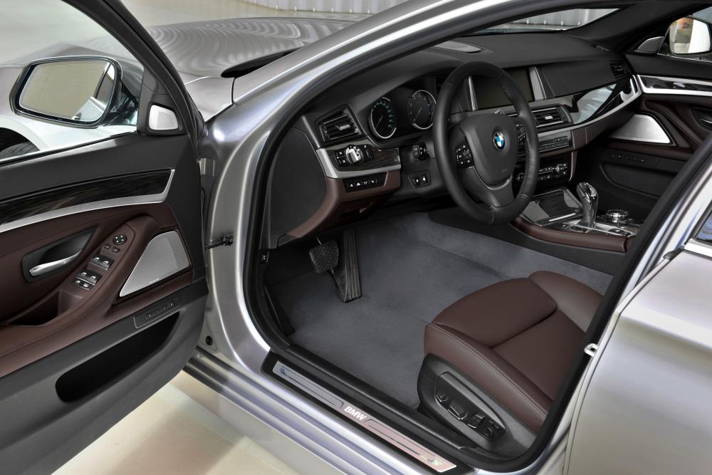 BMW 5 серия F10 [рестайлинг] (2013-2017) Седан интерьер