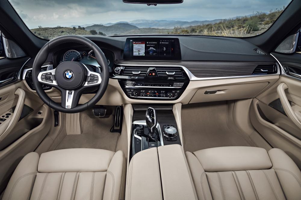 BMW 5 серия 7 поколение G30 (2017-2020) Touring универсал интерьер