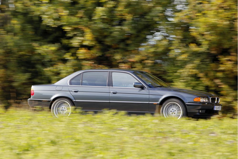 BMW 7 серия 3 поколение E38 [рестайлинг] (1998-2001) Седан