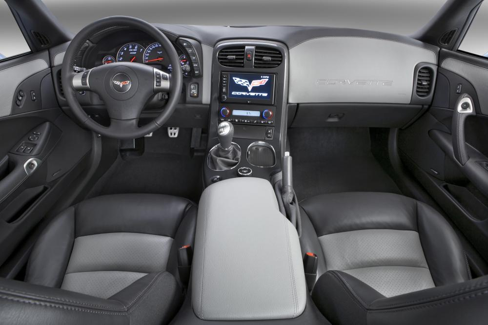 Chevrolet Corvette C6 рестайлинг ZR1 тарга 2-дв. интерьер