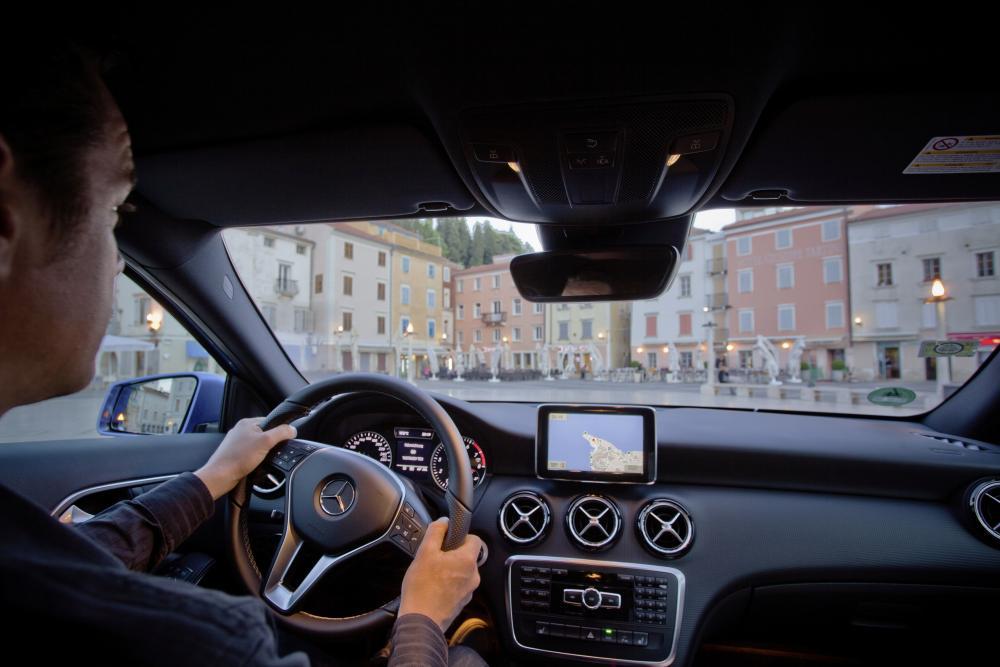 Mercedes-Benz A-Класс W176 (2012-2015) Хетчбэк 5-дв. интерьер