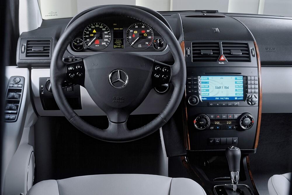Mercedes-Benz A-Класс W169 (2004-2008) Хетчбэк 5-дв. интерьер