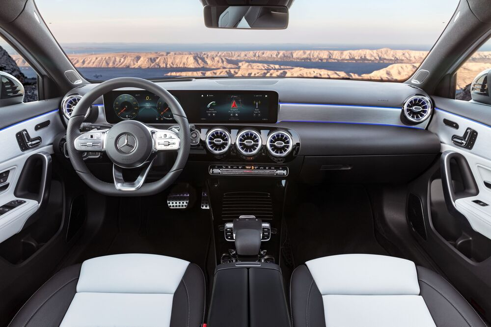 Mercedes-Benz A-Класс W177 (2018) Хетчбэк 5-дв. интерьер