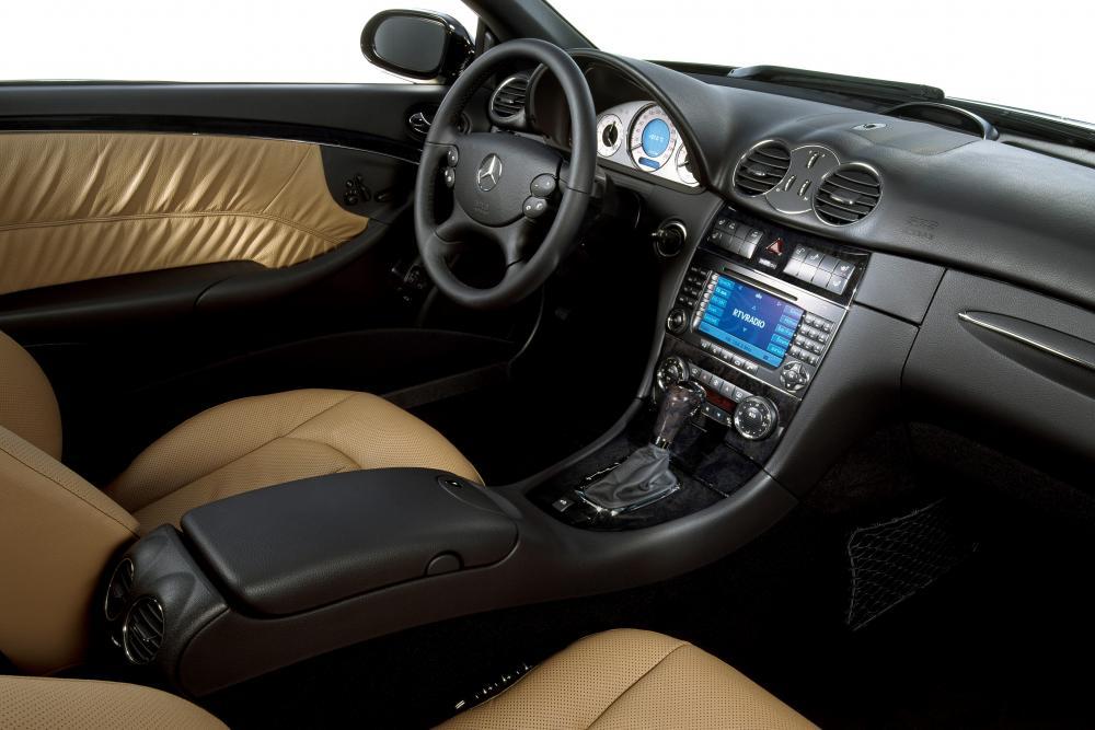 Mercedes-Benz CLK-Класс A209 рестайлинг (2005-2010) Кабриолет 2-дв. интерьер