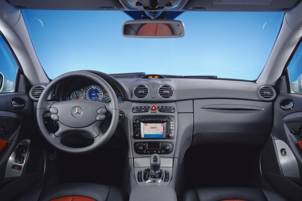 Mercedes-Benz CLK-Класс C209 (2002-2005) Купе интерьер