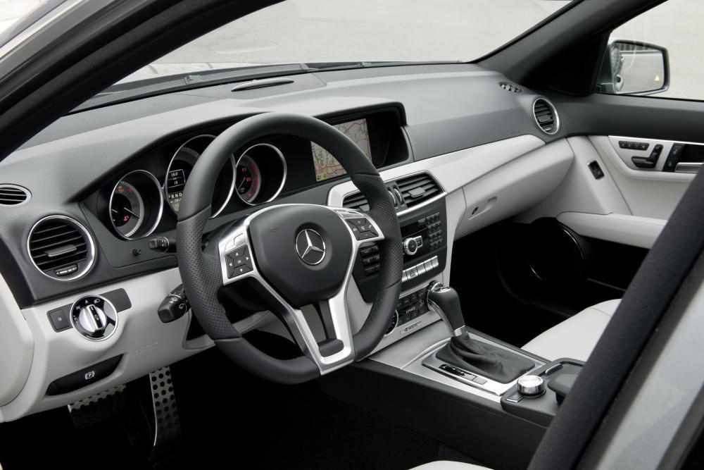 Mercedes-Benz C-Класс C204 рестайлинг универсал передняя панель