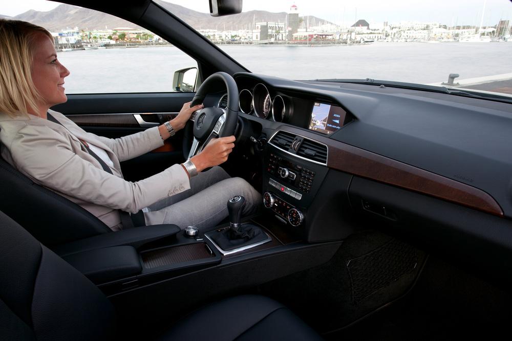 Mercedes-Benz C-Класс W204 [рестайлинг] (2011-2018) Седан 4-дв. интерьер