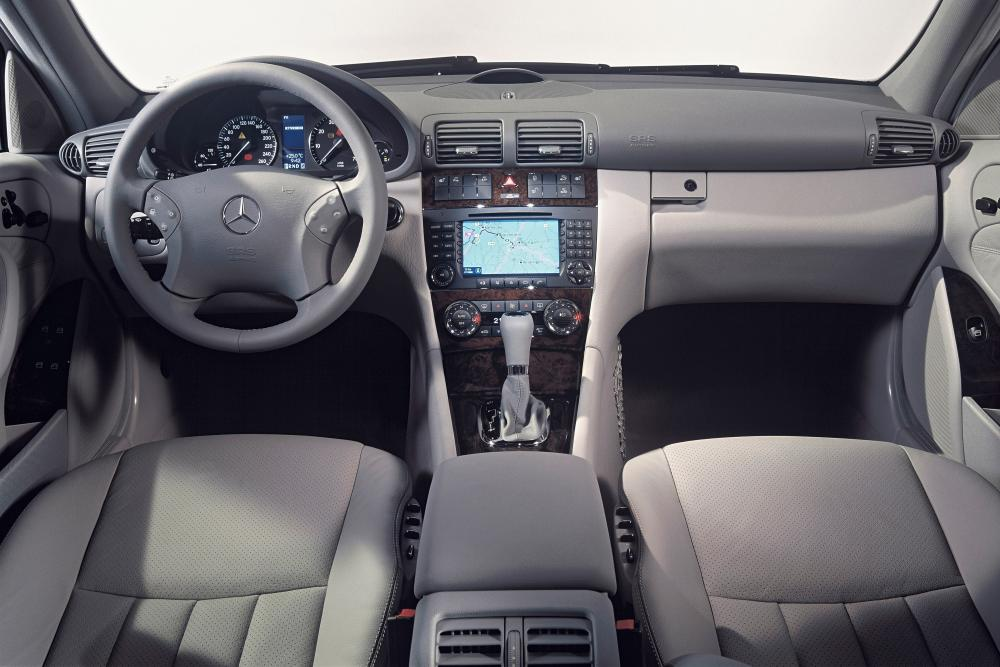 Mercedes-Benz C-Класс S203 (2001-2004) Универсал 5-дв. интерьер