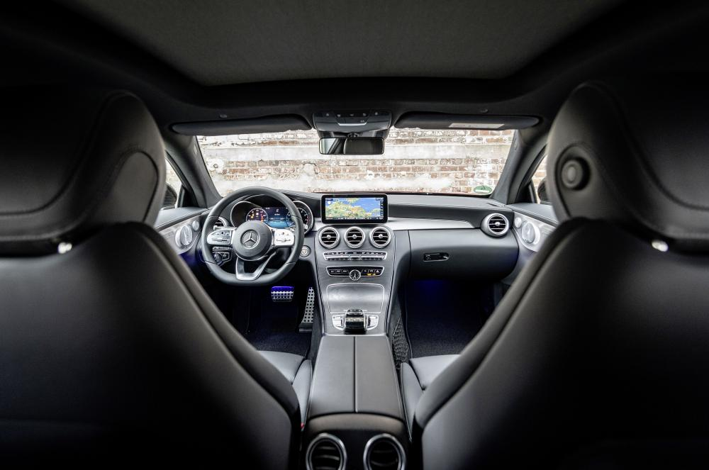 Mercedes-Benz C-Класс C205 [рестайлинг] (2018 - 2021) Купе 2-дв. интерьер