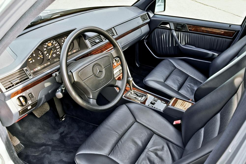 Mercedes-Benz E-Класс W124 2-й рестайлинг (1993-1997) Универсал интерьер