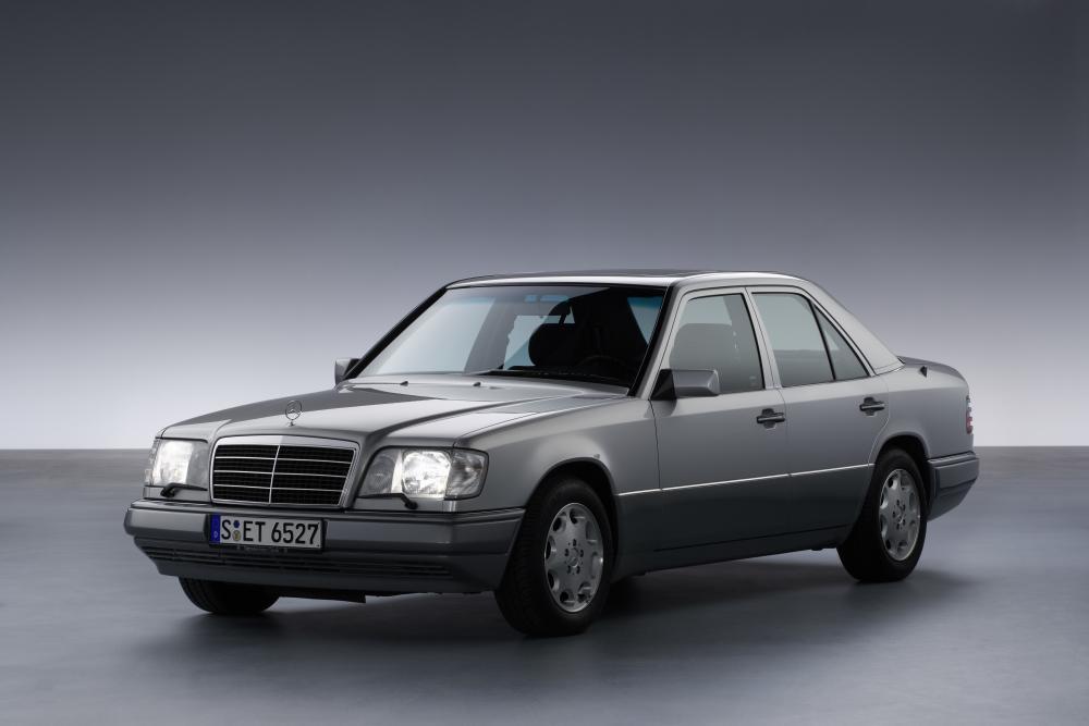 Mercedes-Benz E-Класс W124 2-й рестайлинг (1993-1997) Седан