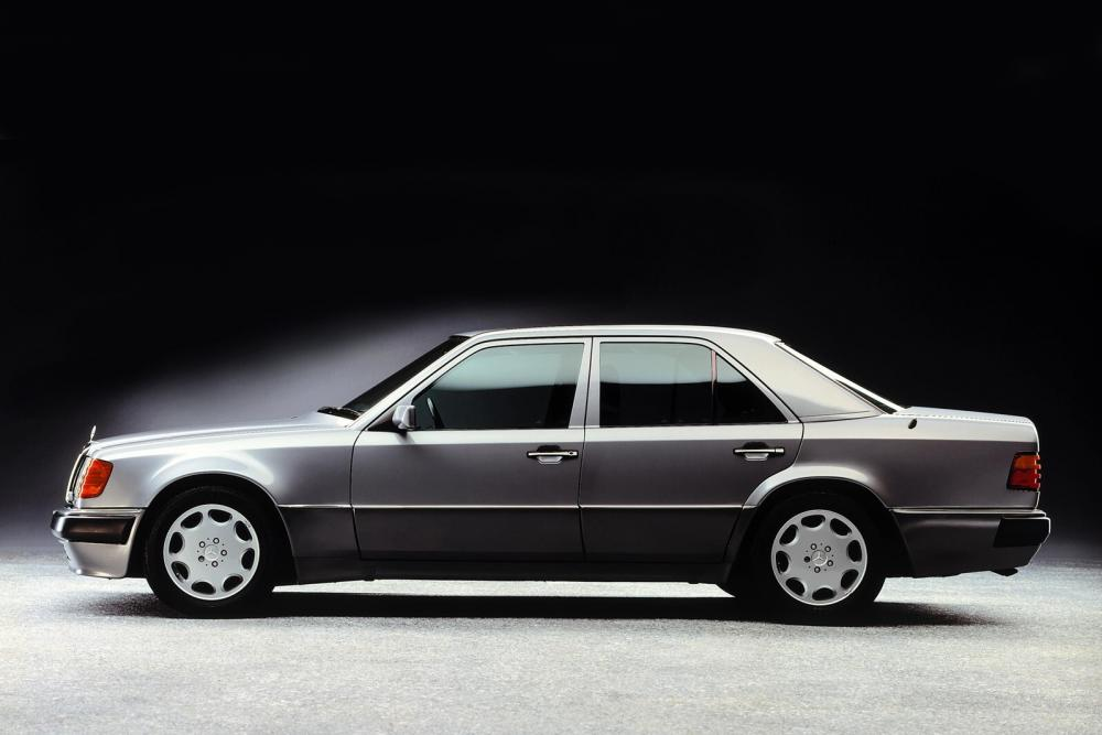 Mercedes-Benz E-Класс W124 рестайлинг (1989-1993) 500E седан