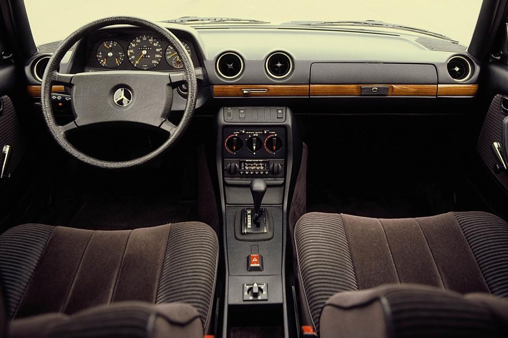 Mercedes-Benz E-Класс W123 (1975-1986) Седан