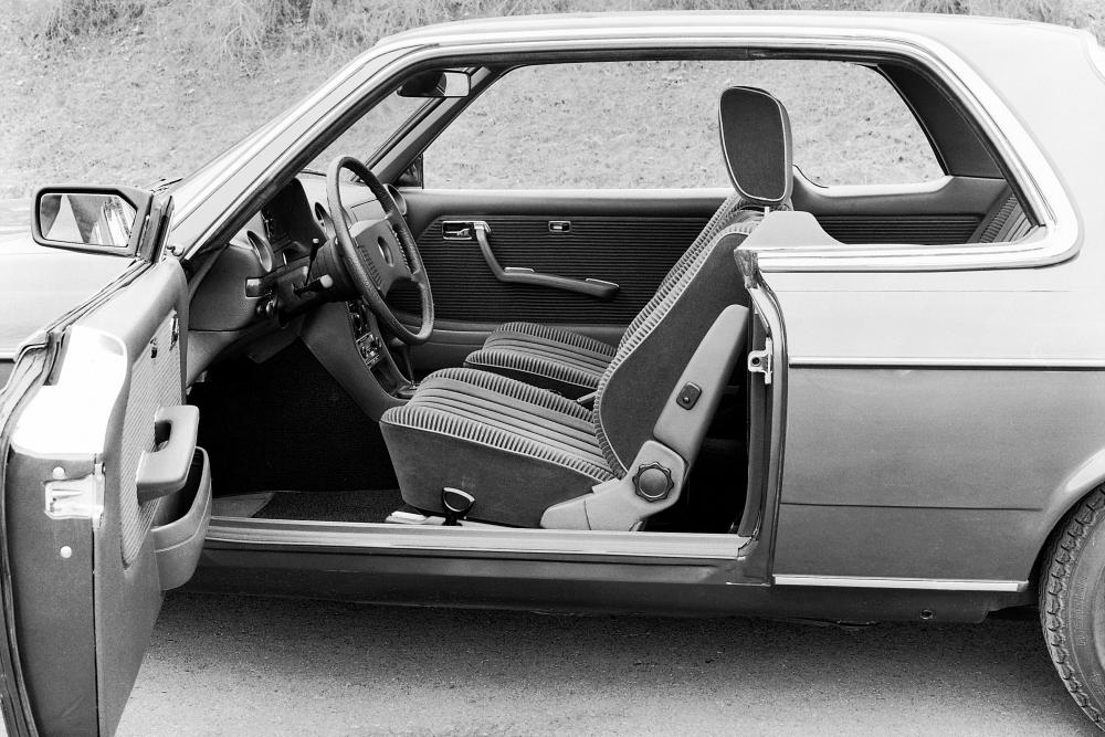 Mercedes-Benz E-Класс W123 (1977-1986) Купе 2-дв. интерьер