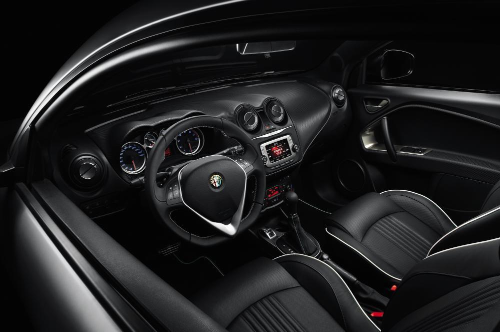 Alfa Romeo MiTo 955 рестайлинг Хетчбэк интерьер