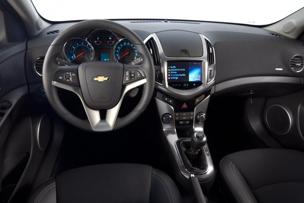 Chevrolet Cruze 2 поколение J300 рестайлинг (2012-2015) Седан 4-дв. интерьер