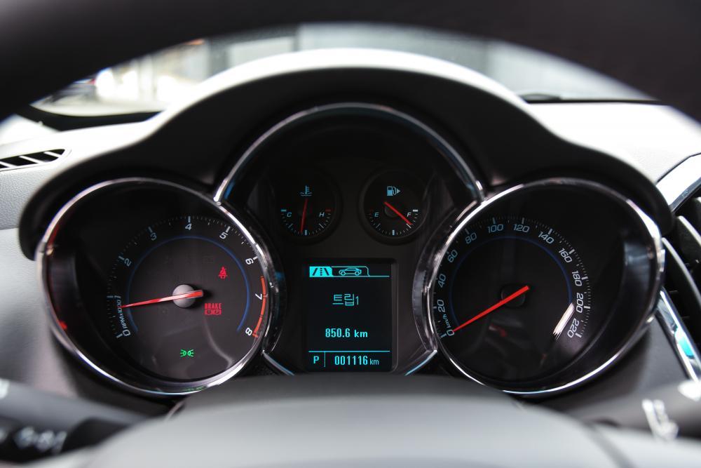 Chevrolet Cruze 2 поколение J300 рестайлинг (2012-2015) Седан 4-дв. панель приборов