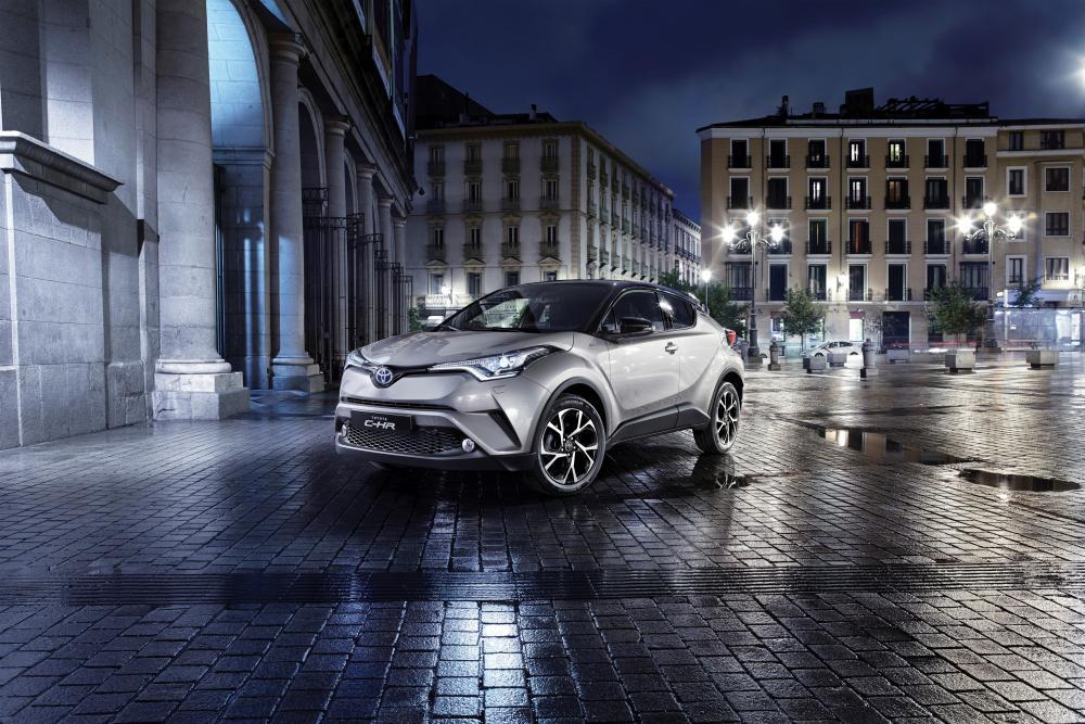 Toyota C-HR 1 поколение (2016-2020) Хетчбэк